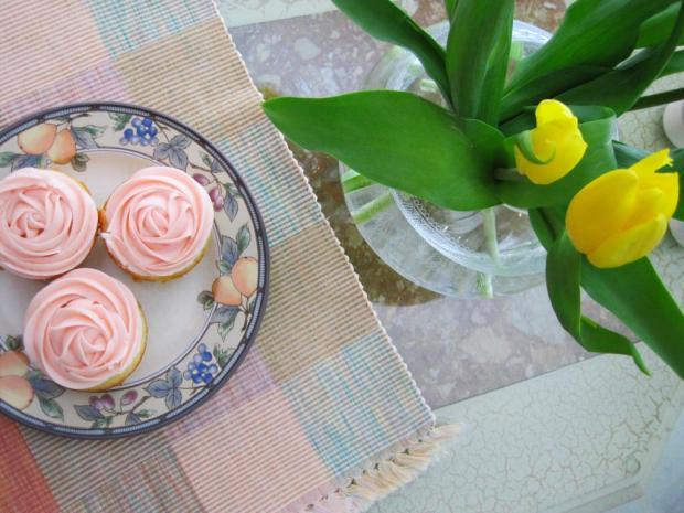 lemonade cupcakes 2