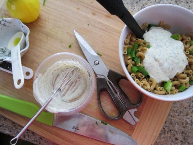 creamy dill pasta salad 1