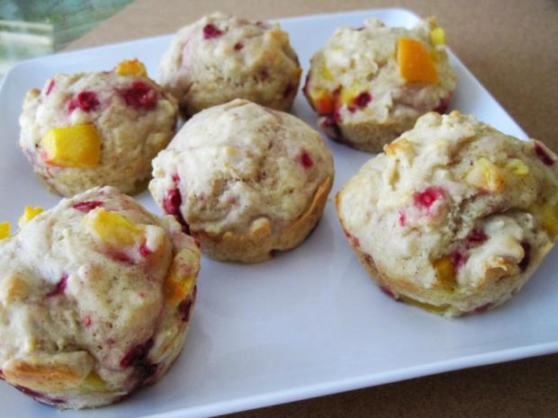peach raspberry muffins 3
