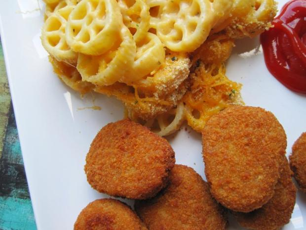 mac and cheese and chicken nuggets 3