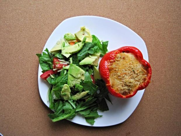 quinoa pumpkin stuffed pepper 1