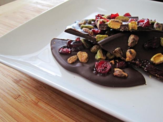 dark chocolate healthy bark 4