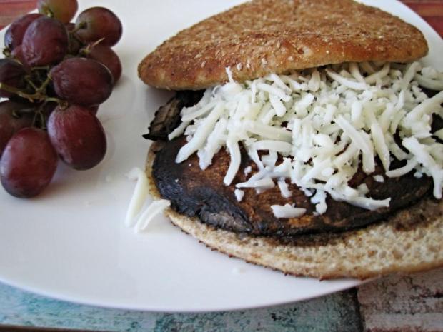 8th wonder portobello burger 2