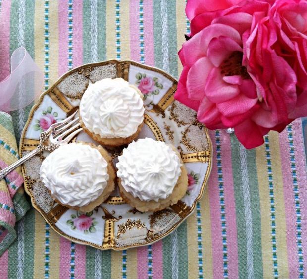 moscato cupcakes 1