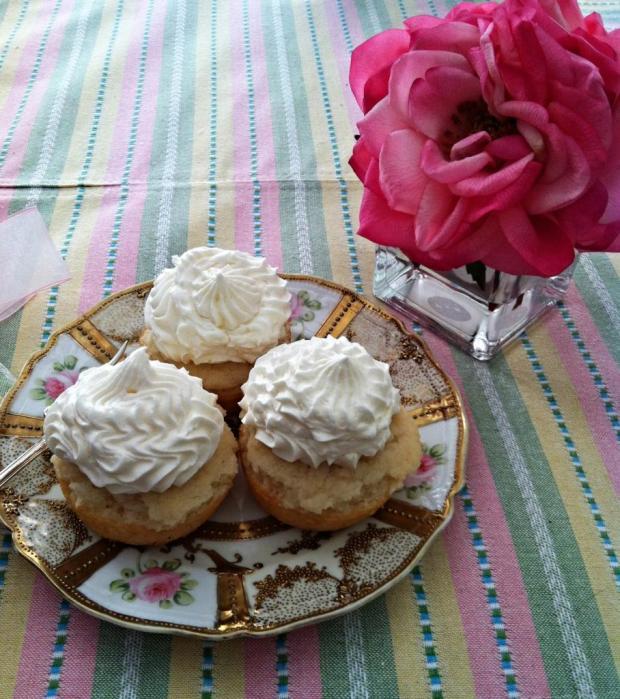 moscato cupcakes 2