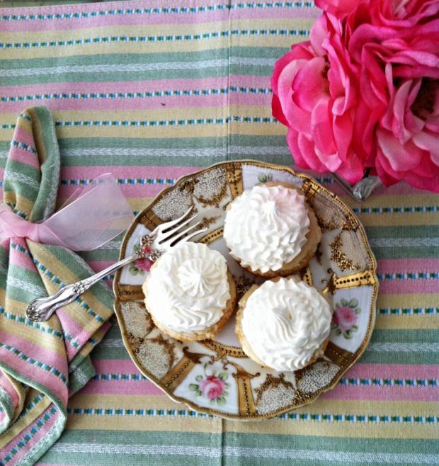 moscato cupcakes 3