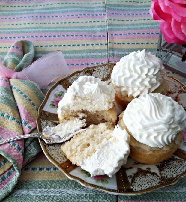 moscato cupcakes 5