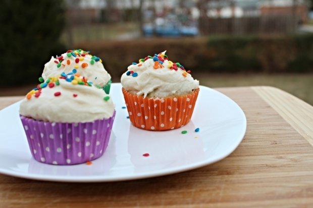 funfetti cupcakes for three